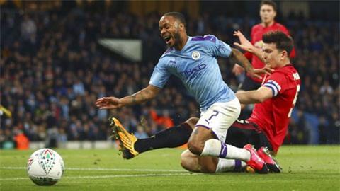 Trận Man City thua M.U ở bán kết lượt về League Cup ngay trên sân nhà