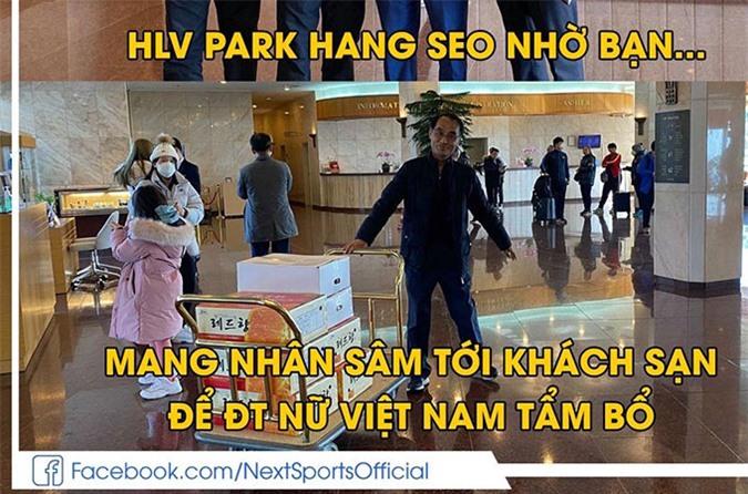 HLV Park Hang Seo nhờ bạn mang nhân sâm đến khách sạn để ĐT nữ Việt Nam bồi bổ ở Hàn Quốc - Ảnh: Next Sports