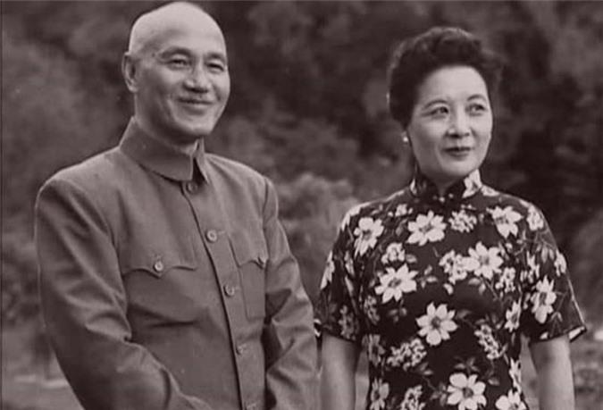 Vi sao Tong My Linh kien quyet khong muon an tang canh chong?