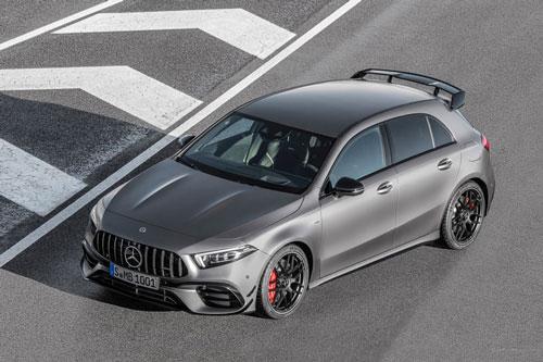 1. Mercedes-AMG A45 S 4MATIC + (thời gian tăng tốc từ 0-100 km/h: 3,9 giây).