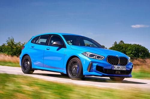 4. BMW M135i (thời gian tăng tốc từ 0-100 km/h: 4,8 giây).