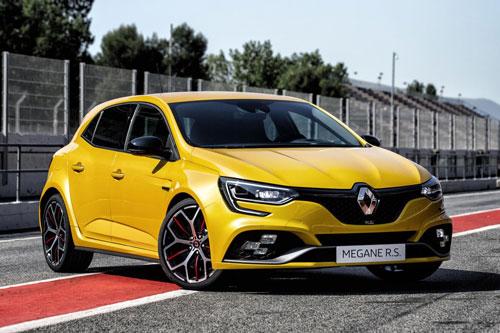 8. Renault Megane R.S Trophy (thời gian tăng tốc từ 0-100 km/h: 5,7 giây).