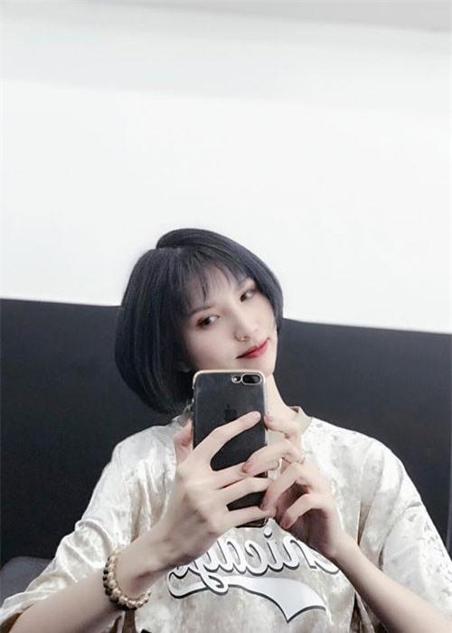 "Hong Xuan - nguoi mau ""sieu cao khong lo"" gio ra sao?-Hinh-11"