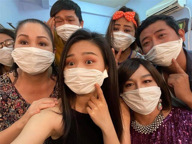 NSND Hồng Vân đóng cửa sân khấu, Bích Phương hủy lịch bán vé concert vì dịch cúm corona - 3