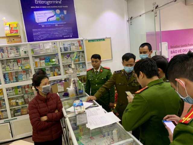 Công an Hà Nội ra quân trong ngày 1/2/2020 để kiểm tra giá bán vật tư y tế tại các cửa hàng vật tư y tế, nhà thuốc.