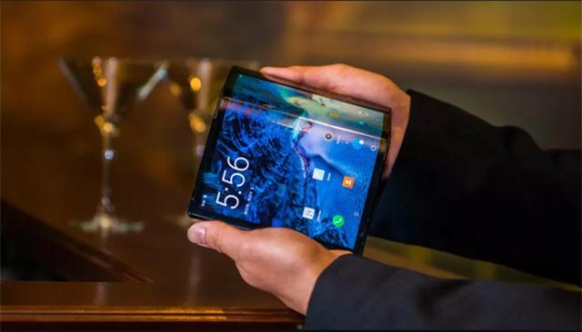 Chiếc smartphone ấn tượng của năm 2019 - 2