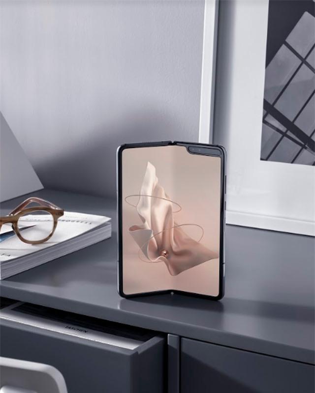 Chiếc smartphone ấn tượng của năm 2019 - 5