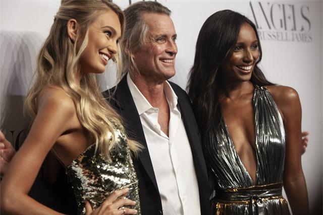 Cựu giám đốc của Victoria's Secret bị tố quấy rối tình dục - 3