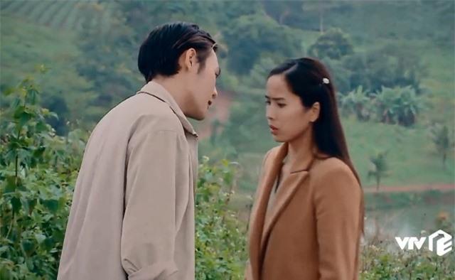 Nước mắt loài cỏ dại: Việt cưỡng hôn Hường bị Khang đuổi đánh - Ảnh 1.