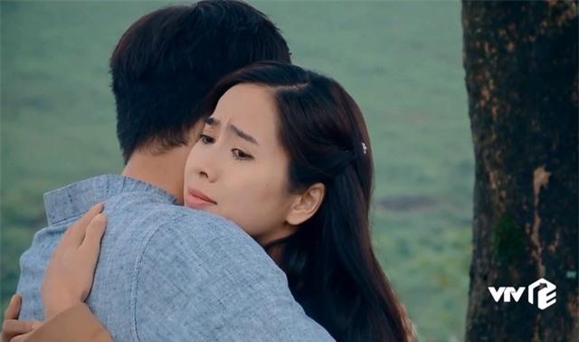 Nước mắt loài cỏ dại: Việt cưỡng hôn Hường bị Khang đuổi đánh - Ảnh 3.