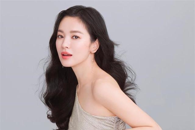 Song Hye Kyo và nghệ sĩ châu Á động viên dân vùng dịch virus corona - 1