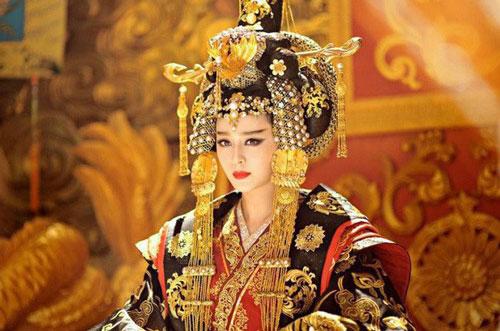 Tạo hình Võ Tắc Thiên trong phim.