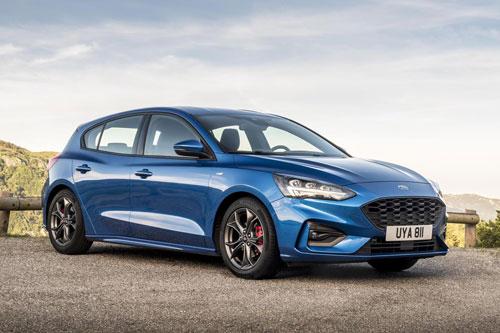 7. Ford Focus (doanh số: 243.825 chiếc).