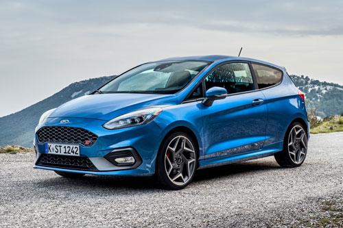 9. Ford Fiesta (doanh số: 233.019 chiếc).
