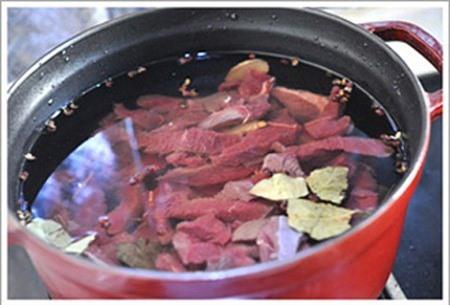 Mẹo nhỏ cho nồi thịt bò hầm mềm, thơm ngon như nhà hàng - 3