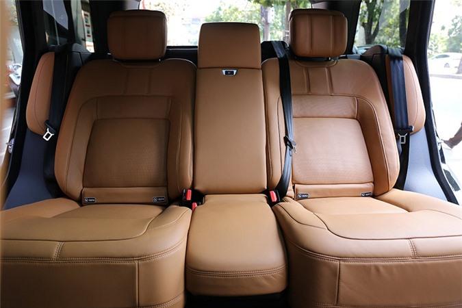Xe Range Rover SV hon 40 ty bien