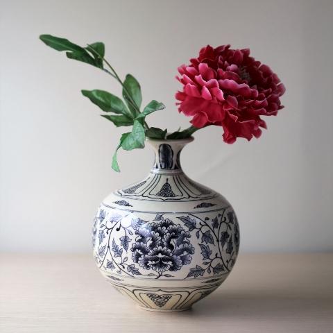 Bình Giọt Ngọc gốm Chu Đậu.
