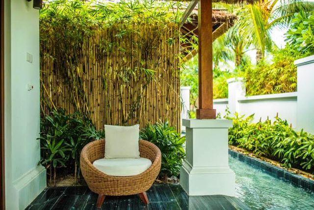 Các liệu trình chăm sóc spa được thiết kế dành riêng cho từng khách với các liệu pháp phục hồi và tái tạo cơ thể, tinh thần và tâm hồn.