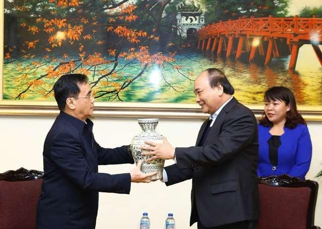 Sản phẩm gốm Chu Đậu được lãnh đạo Đảng, Nhà nước tín nhiệm dùng làm quà tặng cho các vị khách quý trong và ngoài nước.