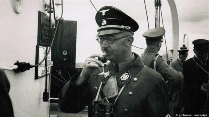 Toi ac thau troi cua trum so SS tuoi Canh Ty thoi Hitler-Hinh-9