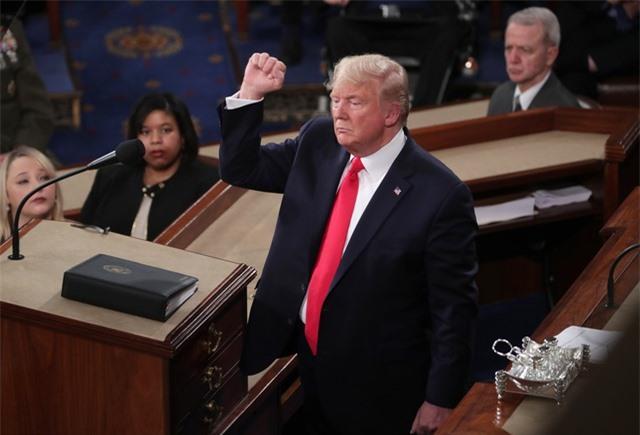 Tổng thống Trump đọc Thông điệp liên bang: Nước Mỹ ngày càng thịnh vượng - 1