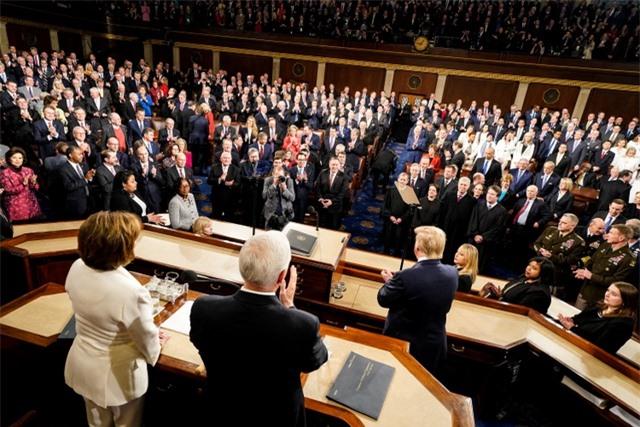 Tổng thống Trump đọc Thông điệp liên bang: Nước Mỹ ngày càng thịnh vượng - 3