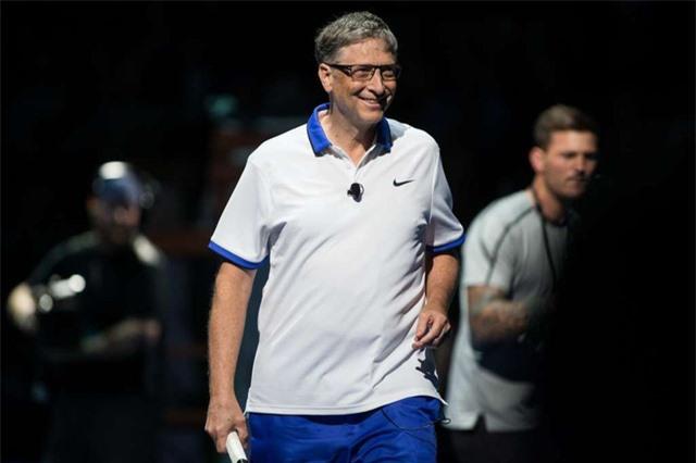 Bill Gates xỏ giày đánh tennis cùng Roger Federer - Ảnh 3.