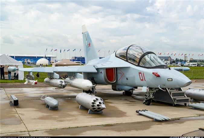 Tin vui dau nam: Viet Nam mua 12 may bay chien dau Yak-130 tri gia 350 trieu USD-Hinh-11