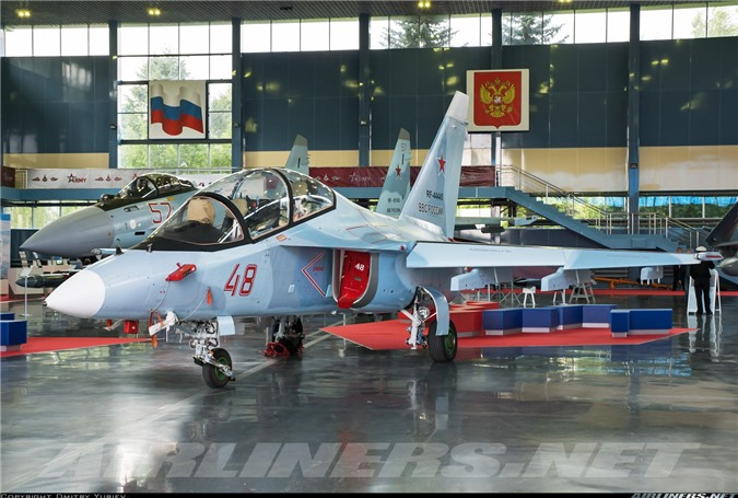 Tin vui dau nam: Viet Nam mua 12 may bay chien dau Yak-130 tri gia 350 trieu USD-Hinh-4