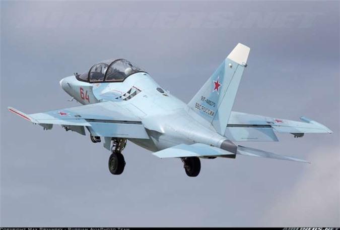 Tin vui dau nam: Viet Nam mua 12 may bay chien dau Yak-130 tri gia 350 trieu USD-Hinh-7