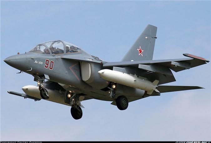 Tin vui dau nam: Viet Nam mua 12 may bay chien dau Yak-130 tri gia 350 trieu USD-Hinh-8