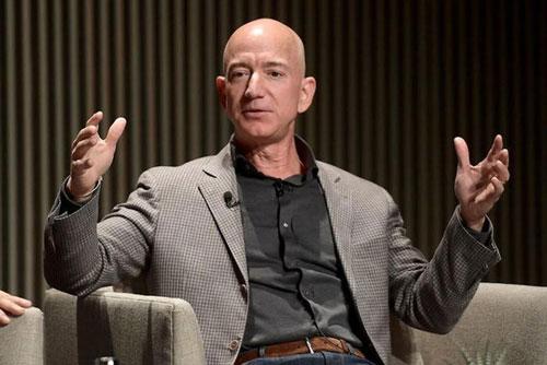 Tỷ phú Jeff Bezos (Mỹ)