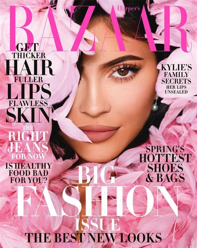 Nữ tỷ phú trẻ nhất thế giới ôm con gái lên bìa tạp chí - Ảnh 1.