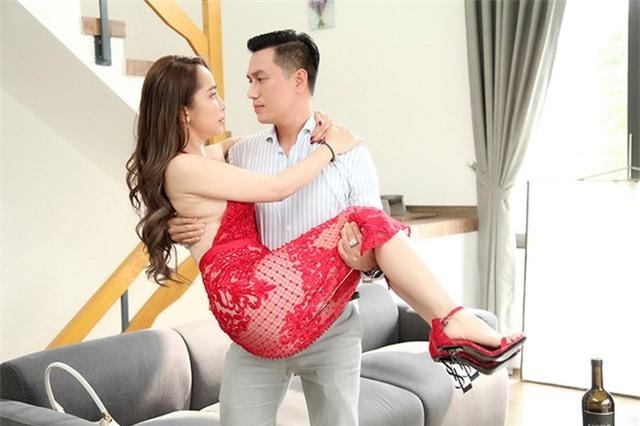 Quỳnh Nga: Tim tôi đập thình thịch khi hôn Việt Anh - Ảnh 3.