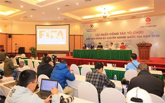 VFF hy vọng thông qua giới truyền thông, người hâm mộ sẽ cập nhật những thay đổi của Luật bóng đá