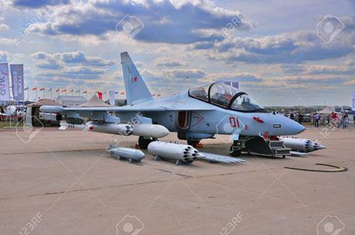 Mới đây truyền thông Nga đã đăng tải thông tin về việc Việt Nam và Nga vào năm 2019 đã chính thức ký kết thỏa thuận mua sắm ít nhất 12 máy bay huấn luyện - chiến đấu tiên tiến Yak-130 với trị giá lên tới trên 350 triệu USD.