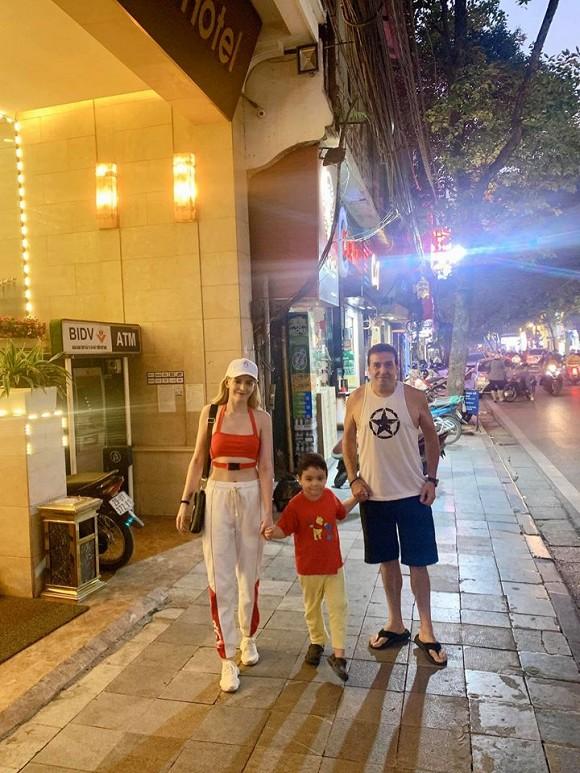 Andrea Aybar đang tận hưởng cuộc sống bình yên bên gia đình sau hàng loạt ồn ào trong quá khứ.