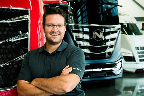 Tỷ phú Trevor Milton là nhà đồng sáng lập của Công ty Nikola Motor, chuyên phát triển các xe tải chạy bằng hydro với chi phí nhiên liệu sẽ rẻ hơn từ 20% đến 30% so với dầu diesel. Startup này đem về cho Milton khối tài sản trị giá 1,3 tỷ USD. Ảnh: Forbes.