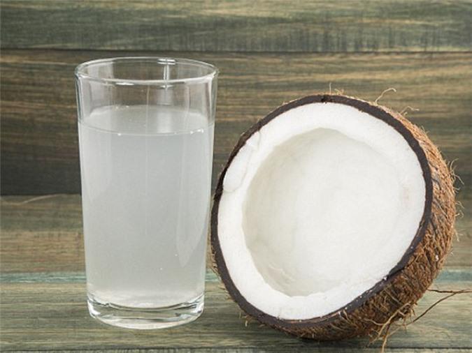 Nước dừa giúp giảm cân
