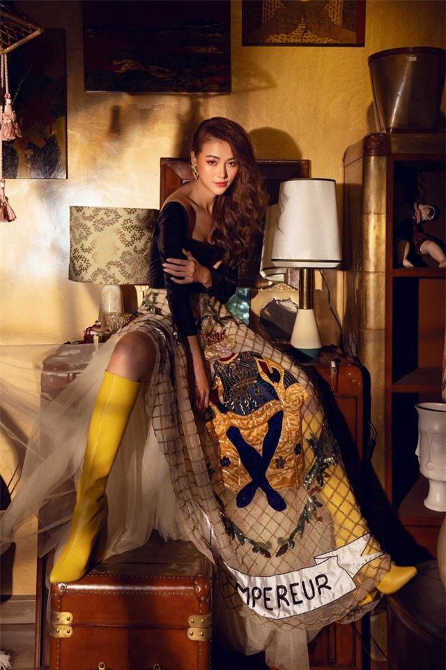 Bộ ảnh kỉ niệm 1 năm đăng quang của Hoa hậu Phương Khánh - Ảnh 6.