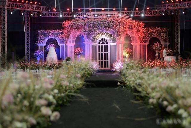 Nhà Duy Mạnh dựng rạp hoành tráng, chuẩn bị nước rửa tay cho khách dự cưới - 10