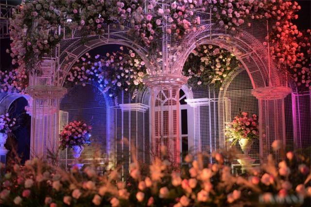 Nhà Duy Mạnh dựng rạp hoành tráng, chuẩn bị nước rửa tay cho khách dự cưới - 11