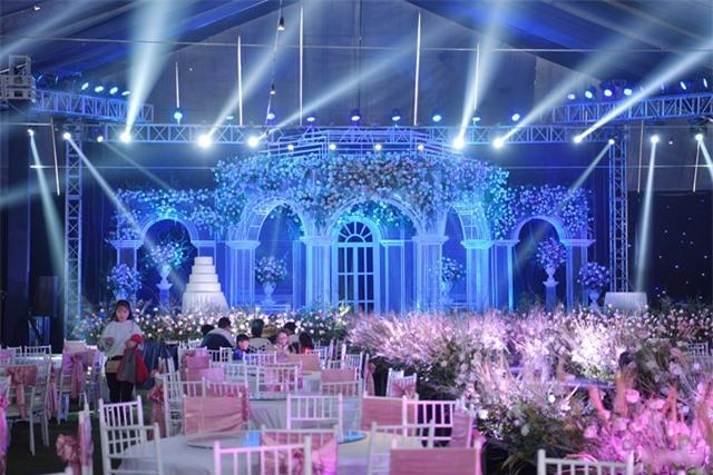 Nhà Duy Mạnh dựng rạp hoành tráng, chuẩn bị nước rửa tay cho khách dự cưới - 16