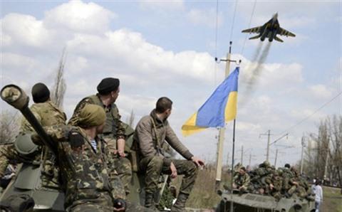 Ukraine keu goi My tro giup de lay lai ban dao Crimea
