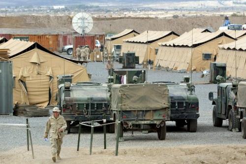 Quân đội Mỹ tiếp tục chặn đường đoàn xe tuần tra của Nga vì họ vừa xây dựng một căn cứ quân sự mới. Ảnh: Avia-pro.
