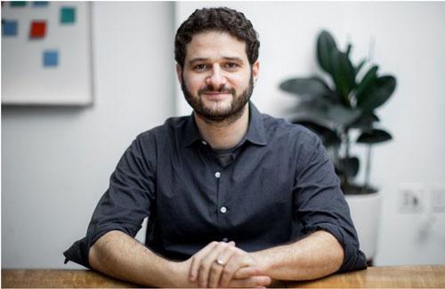 Dustin Moskovitz (Tài sản: 13,3 tỷ USD, nguồn tài sản: Facebook, năm sinh: 1984): Dustin Moskovitz và bạn cùng phòng Mark Zuckerberg đồng sáng lập mạng xã hội Facebook từ phòng ký túc xá đại học Harvard. 4 năm sau, ông rời Facebook và thành lập công ty phần mềm doanh nghiệp Asana. Phần lớn tài sản hiện tại của ông đến từ 2% cổ phần ở Facebook. Cũng giống như người bạn học cũ, Moskovitz và vợ cũng thành lập quỹ từ thiện Good Ventures và đã dành nhiều triệu USD cho các hoạt động y tế và bình đẳng hôn nhân. Dustin Moskovitz đã bỏ quốc tịch Mỹ và hiện sống tại Singapore. Ảnh: Getty Images.