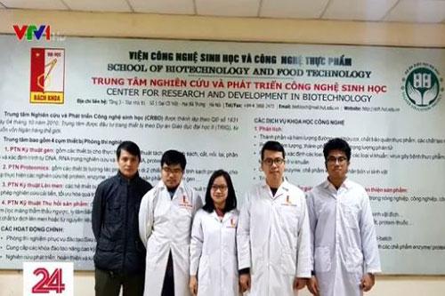Nhóm nghiên cứu của TS. Lê Quang Hòa thuộc Viện Công nghệ Sinh học và Công nghệ Thực phẩm, Trường Đại học Bách khoa Hà Nội. Ảnh: VTV