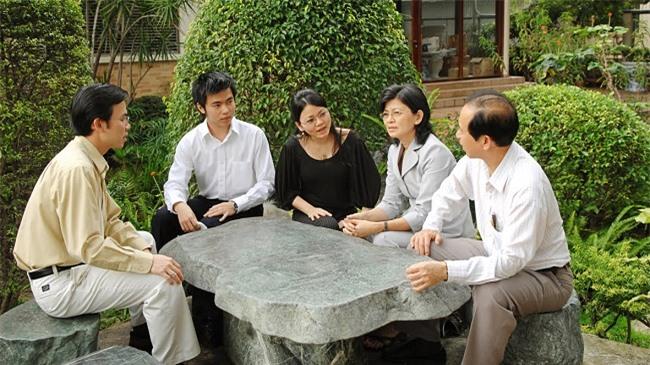 Cuộc cách mạng gốm sứ ở Minh Long 3