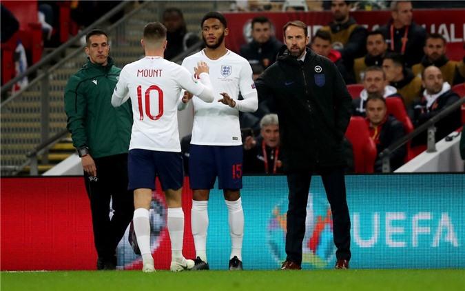Mason Mount được lên ĐT Anh nhờ Chelsea phải trọng dụng do bị cấm chuyển nhượng