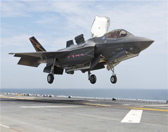 My phat hien gan 1000 loi tren F-35, co loi khien may bay… roi bat ngo-Hinh-8
